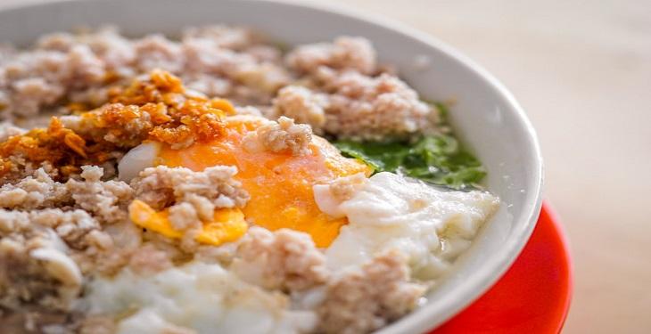 egg-plate-for-breakfast