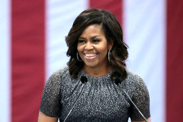 سه هزار دلار برای گوشدادن به خاطرهگویی همسر رئیس جمهور سابق