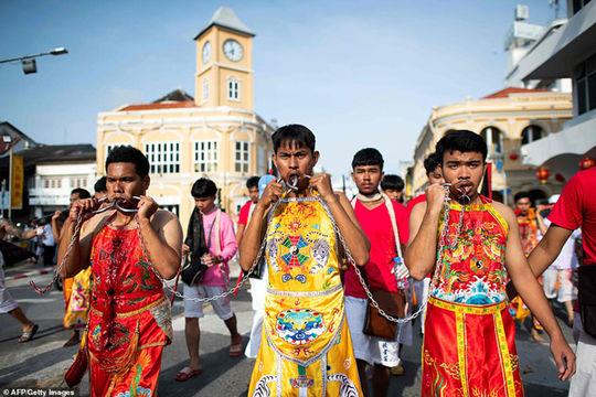 جشنوارهای دلخراش در تایلند(+16)+عکس