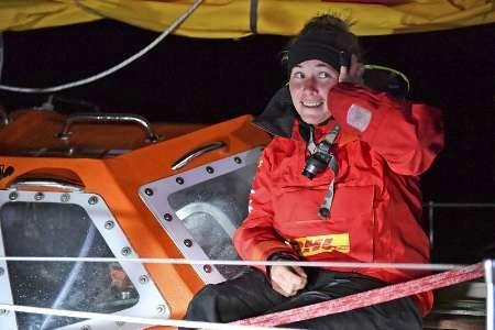 شرکت کننده زن مسابقات قایقرانی دور دنیا نجات یافت