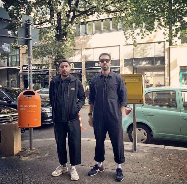نوید محمدزاده و دوستش در خارج از کشور + عکس