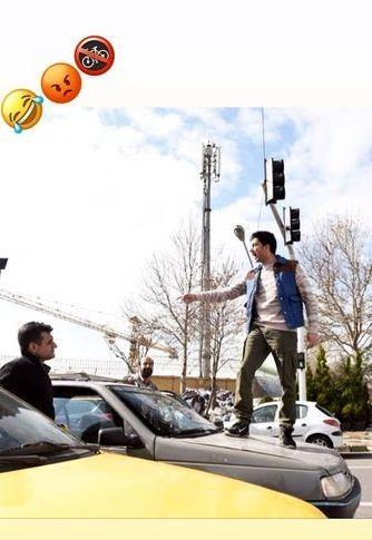 کار عجیب و غریب فرزاد فرزین وسط خیابان + عکس