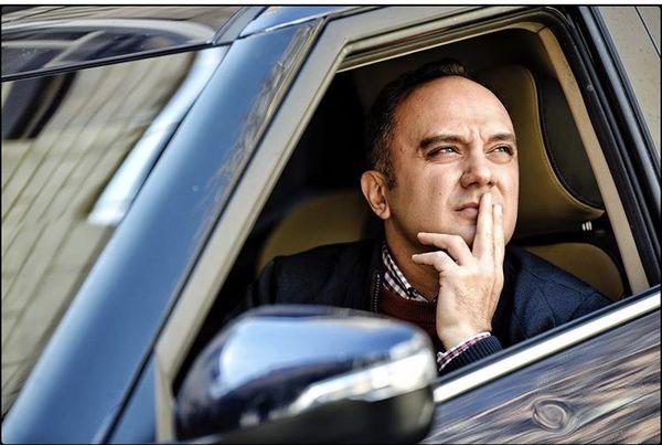 احسانکرمی در ماشینش + عکس