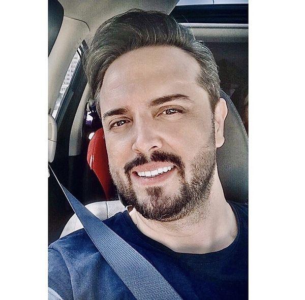 مجری خوش تیپ تلویزیون در ماشینش + عکس