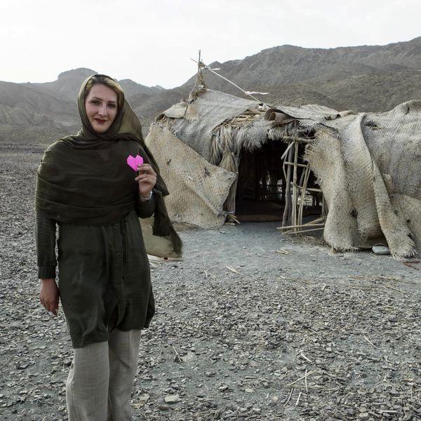 خانم مجری در مدرسه ای عجیب در سیستان+عکس