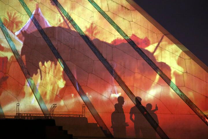 اجرای ویدئو مپینگ به مناسبت ماه محرم روی آزادی