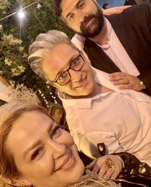 بهاره رهنما و همسرش در کنار دوستشان + عکس
