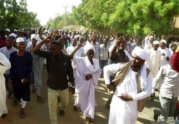 معارض سودانی: به تظاهراتها ادامه میدهیم؛ نافرمانی مدنی نزدیک است