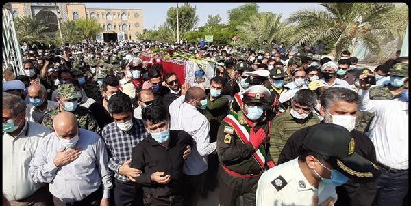 پیکر مطهر ضرغام پرست شهید مدافع مردم در بندرماهشهر تشییع شد+عکس