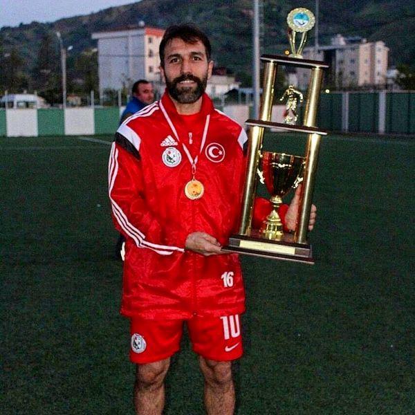 هافبک سابق پرسپولیس با لباس تیم ملی ترکیه