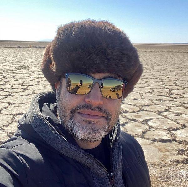 آقای بازیگر گم شده در بیابان بی آب و علف + عکس