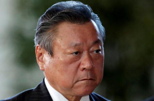 وزیر امنیت سایبری ژاپن کار با کامپیوتر را بلد نیست!