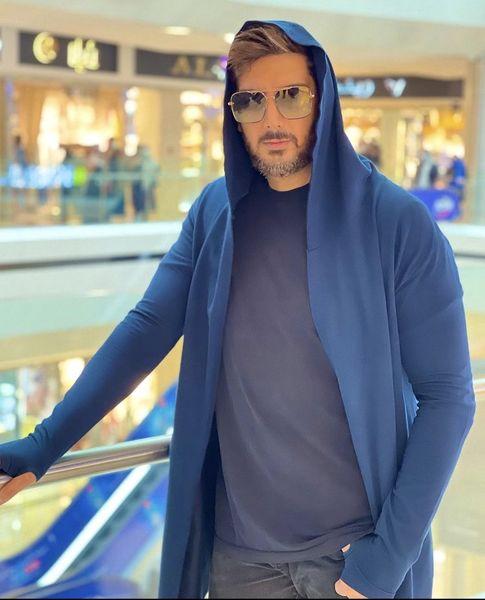 لباس جنجالی فرزاد فرزین در یکی از پاساژهای تهران + عکس