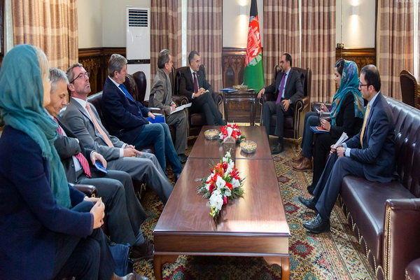 وزیر خارجه افغانستان با هیأتی از پارلمان اروپا دیدار کرد