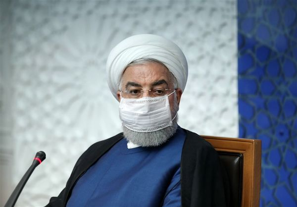 روحانی: ملت ایران به زانو در نمیآیند/در برخی استانها از پیک کرونا عبور کردیم