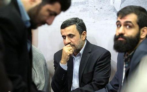 تبليغاتي در سطح رياست جمهوري براي عضو ارشد مجمع تشخيص/ تقدیرنامه ای که میخواهند امشب به احمدینژاد بدهند+ عكس