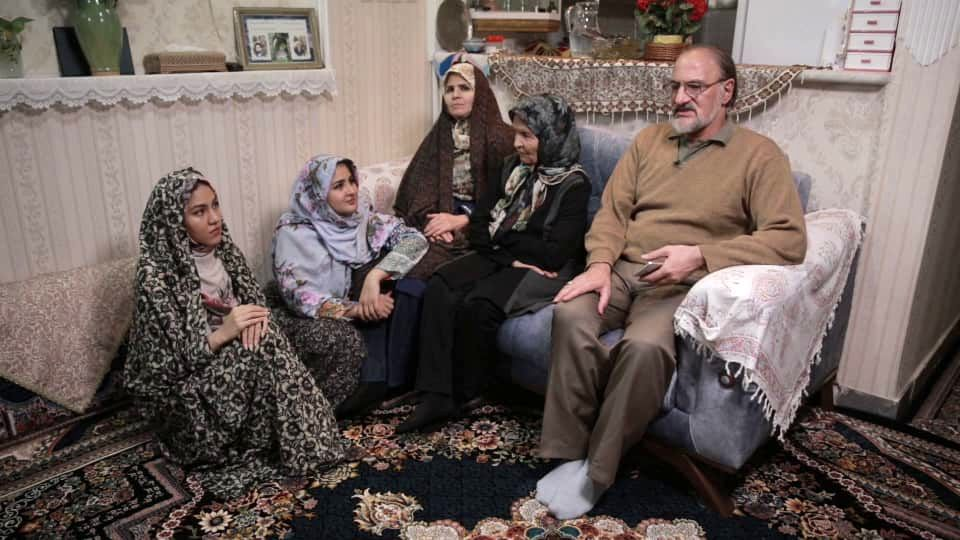 مداحان، خطبا و شاعران معروف در مستند جدید شبکه مستند/ آداب عزاداری برای امام حسین (ع) چگونه است؟