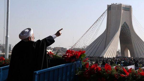 استقبال اصولگرایان از رفراندوم حسن روحانی