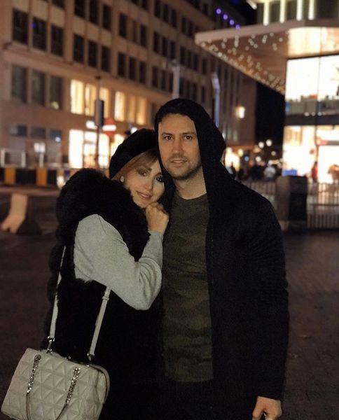 شاهرخ استخری و همسرش در خارج از کشور + عکس