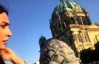 عکس بی هوای خانم بازیگر در برلین