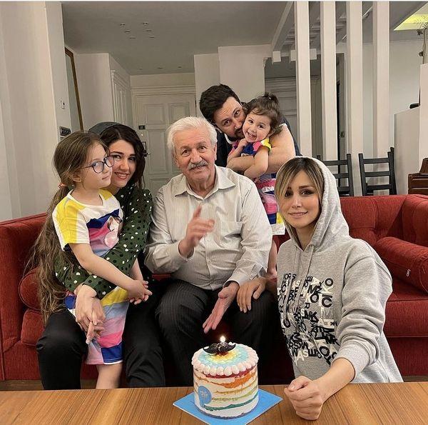 شاهرخ استخری در کنار پدر و خواهرش + عکس