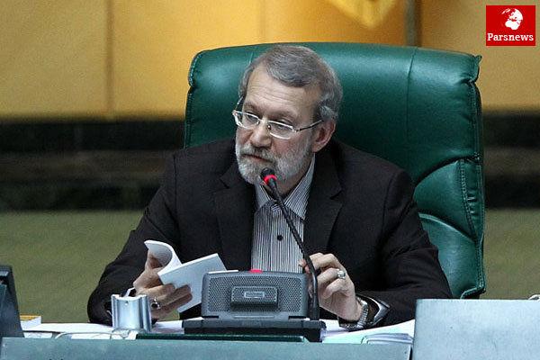 از سیاسی شدن این مسائل ممانعت می کنیم/لاریجانی به موضوع «آرش صادقی» ورود می کند