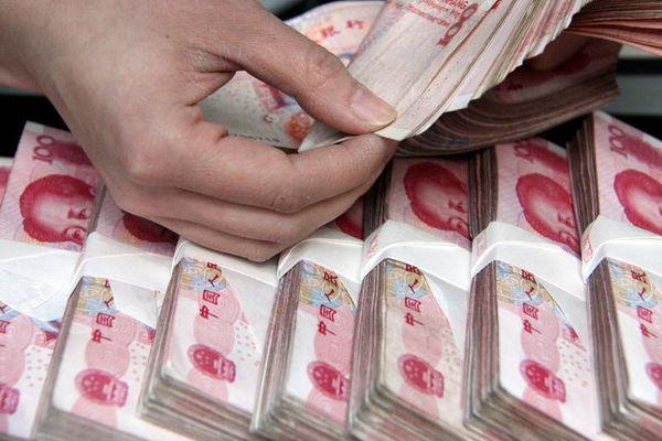 بانکهای بزرگ چین یوآن را با پیشخرید دلار سوآپ میکنند