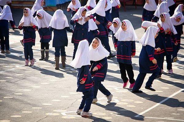 تجمع دانش آموزان هنگام ورود به مدرسه ممنوع است