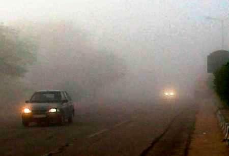 جاده های خراسان رضوی مه گرفته و لغزنده است