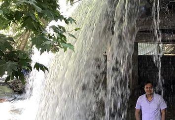 مجید اخشابی و آبشار غول پیکر+عکس