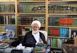 انتقاد امام جمعه یزد از گرانفروشیها و احتکار