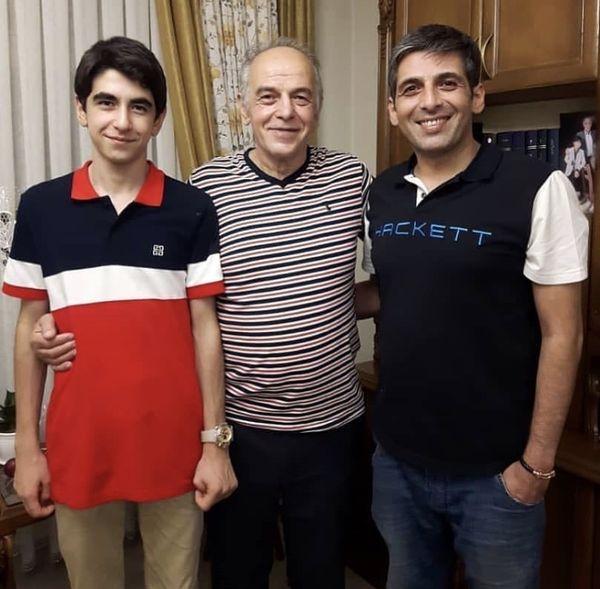 حمید گودرزی در کنار پدر و برادر کوچیکش + عکس