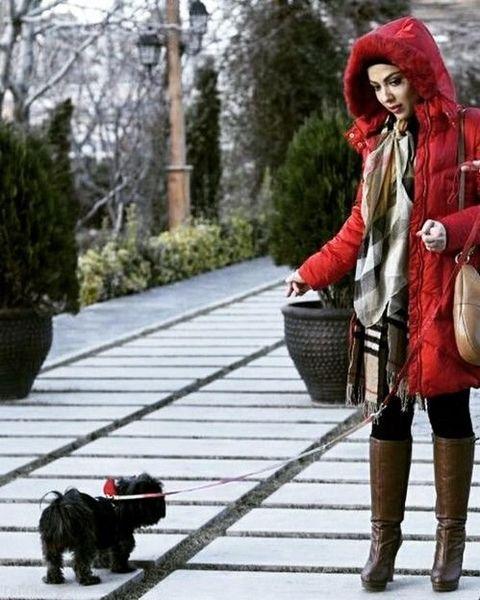قدم زدن لیلا اوتادی با سگش+عکس