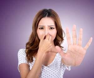 برای از بین بردن بوی پیاز دست این روش ها فوری هستند