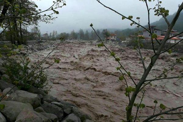 اسکان اضطراری یک هزار نفر از سیل زدگان 22 استان کشور
