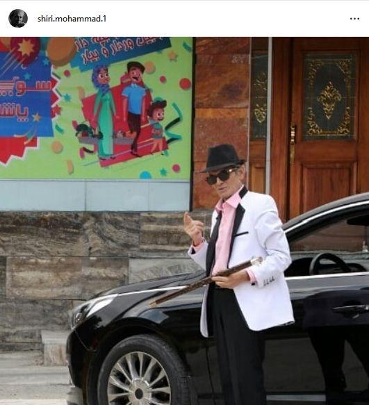 عکس خوشتیپ بازیگر پیشکسوت با ماشین لاکچری اش