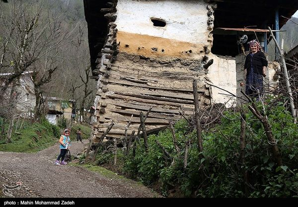 مرکزی| اجرای طرحهای هادی زمینه بازگشت به روستاها را فراهم میکند
