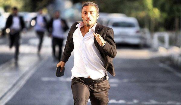 امیر جدیدی در حال فرار در خیابان + عکس