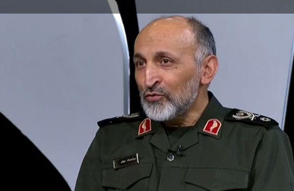 سردار حجازی و شهید حاج قاسم سلیمانی در یک قاب