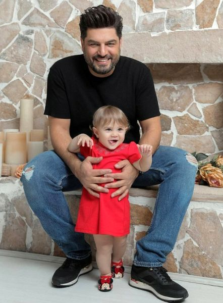 عکس پر از حس پدری از سام درخشانی و دختر نازش