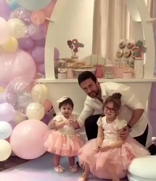 شاهرخ استخری و دختران پرنسس اش
