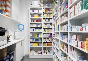 بازرسی اقلام کرونایی در داروخانههای پایلوت