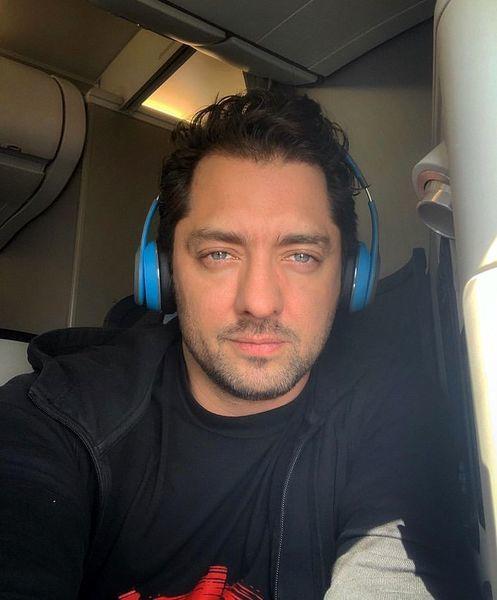 هواپیما سواری بهرام رادان + عکس