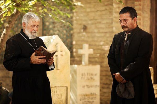 امیرحسین صدیق در قربستان مسیحی ها+عکس