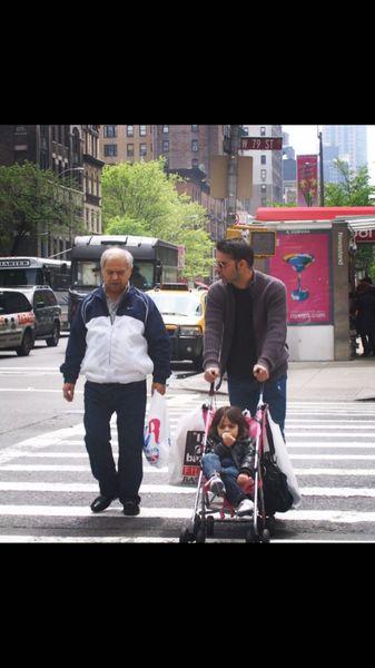 پیمان معادی و پدرش سالها قبل در خارج از کشور + عکس