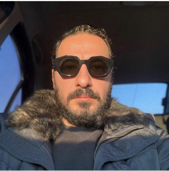 عینک خاص نوید محمدزاده + عکس