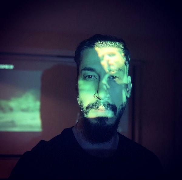 چهره نورانی بهرام افشاری + عکس
