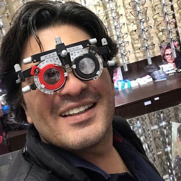 عینک خاص و نمره بالای آقای پیانیست معروف+عکس