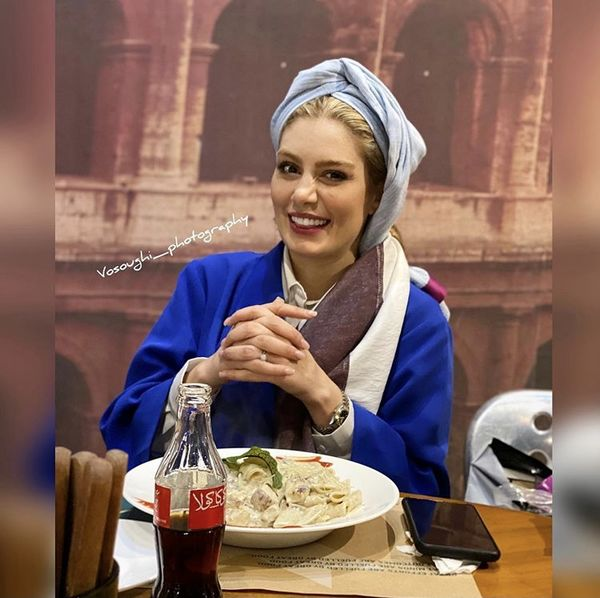 سحر قریشی در یک رستوران + عکس