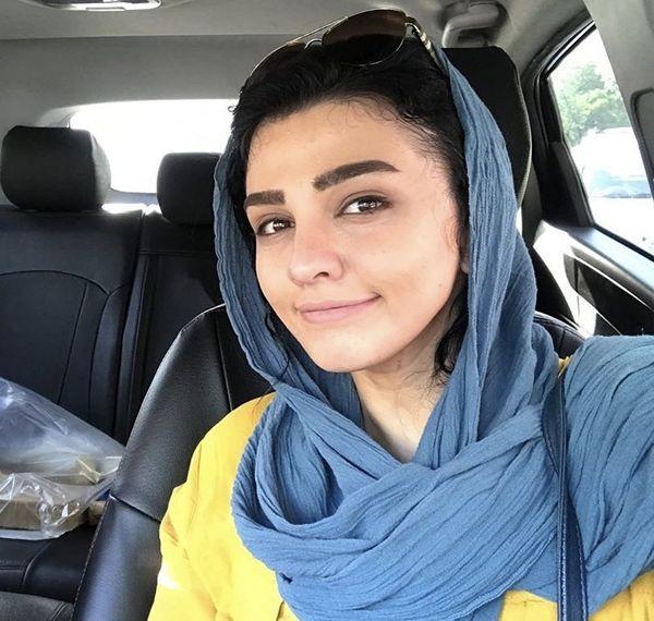 سلفی خانم بازیگر جوان در ماشین لاکچریش + عکس